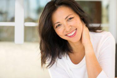 顔のたるみは運動・エクササイズで改善!たるみ改善に効果的な顔筋トレ5選
